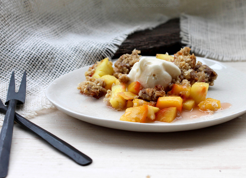 Loves Food, Loves to Eat: Peach Pineapple Crisp w/ Coconut & Ginger Crumble