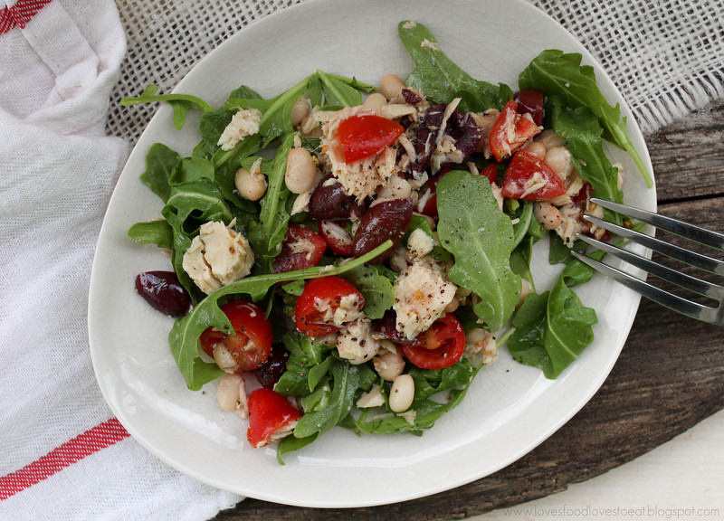 Loves Food, Loves to Eat: Tuna & White Bean Salad