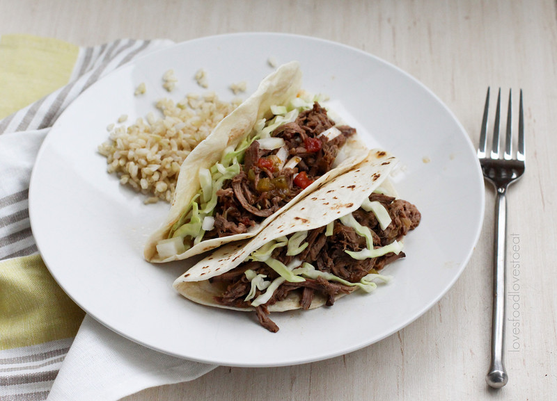 Machaca {Shredded Beef Tacos}// Loves Food, Loves to Eat