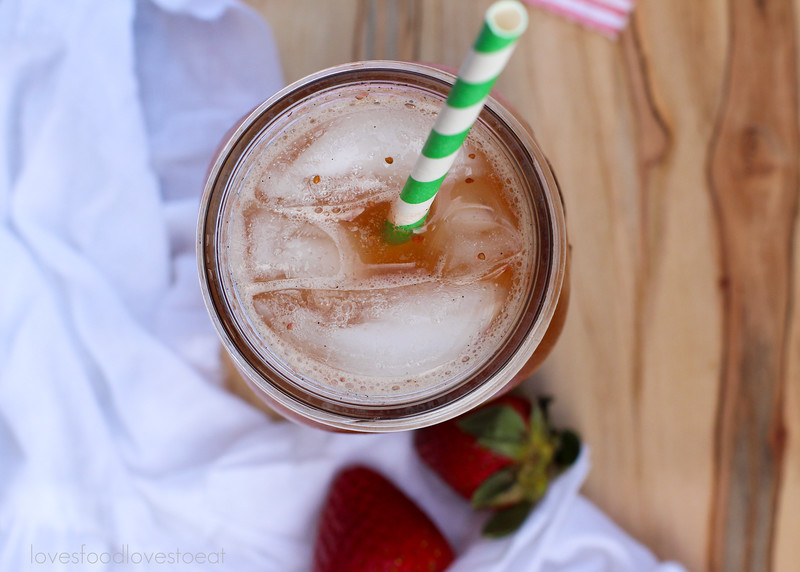 Strawberry Balsamic Vanilla Sodas // Loves Food Loves to Eat