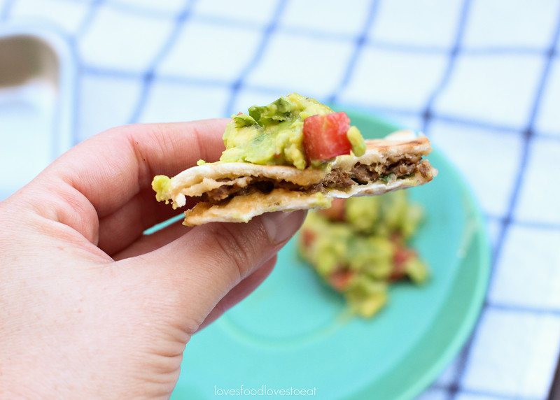 Mexican-style Pita Cheeseburgers // Loves Food, Loves to Eat