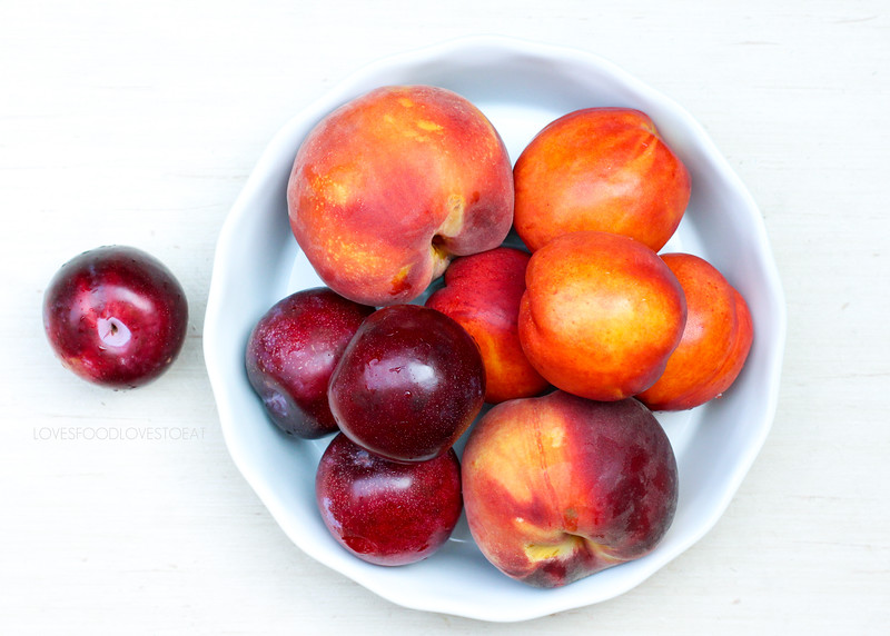 Peach, Nectarine, and Plum Pie // Loves Food, Loves to Eat